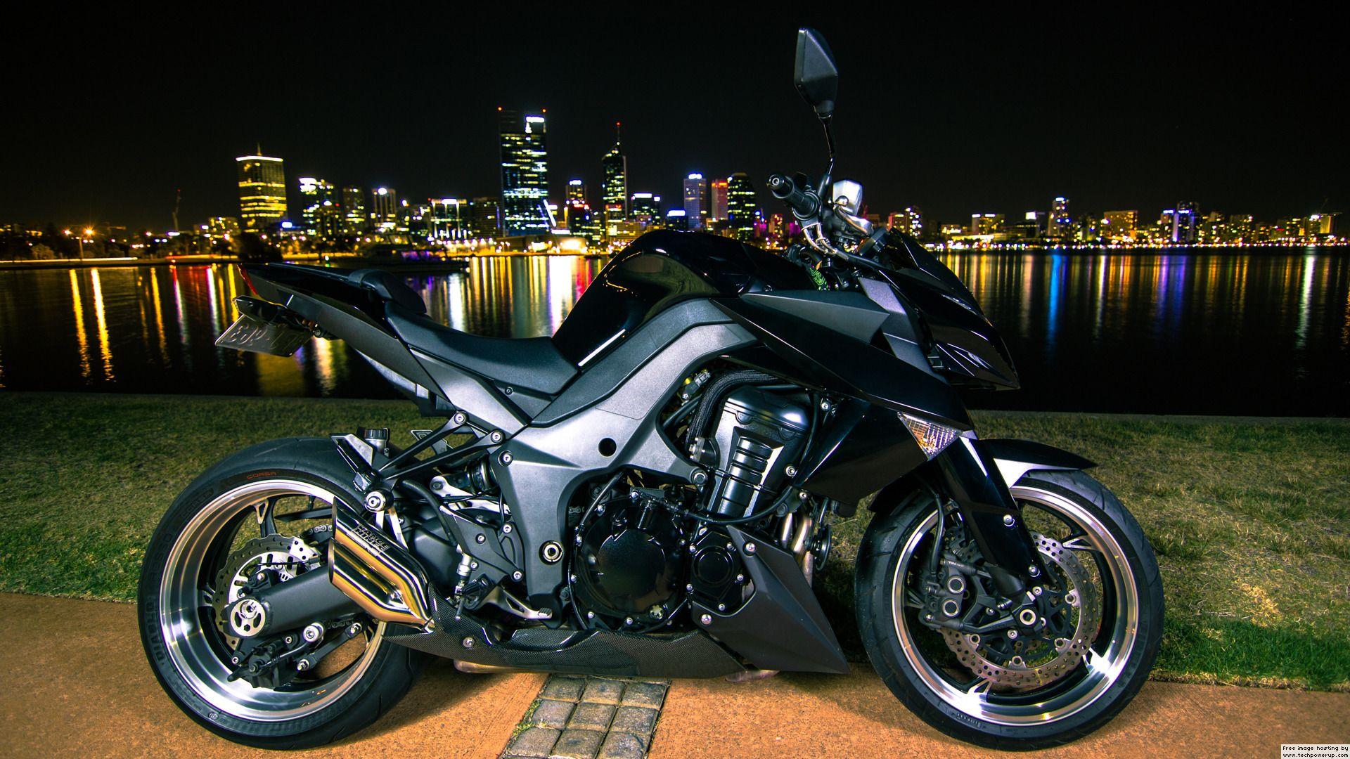 Kawasaki Z1000 Black Red