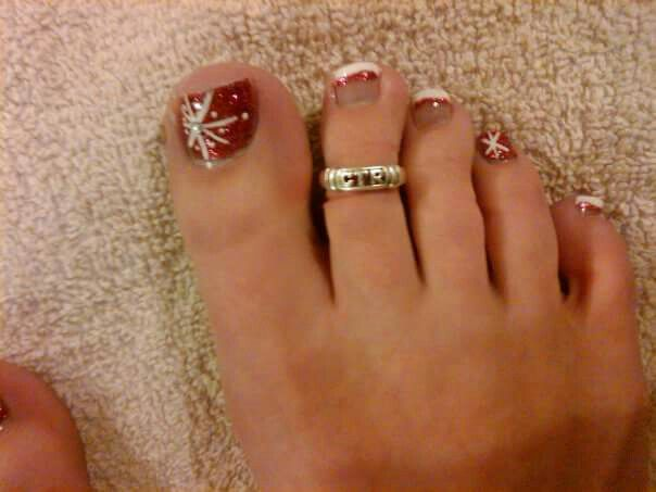 Christmas toes! - Christmas Toes! Nails And Toes I've Done Pinterest Christmas