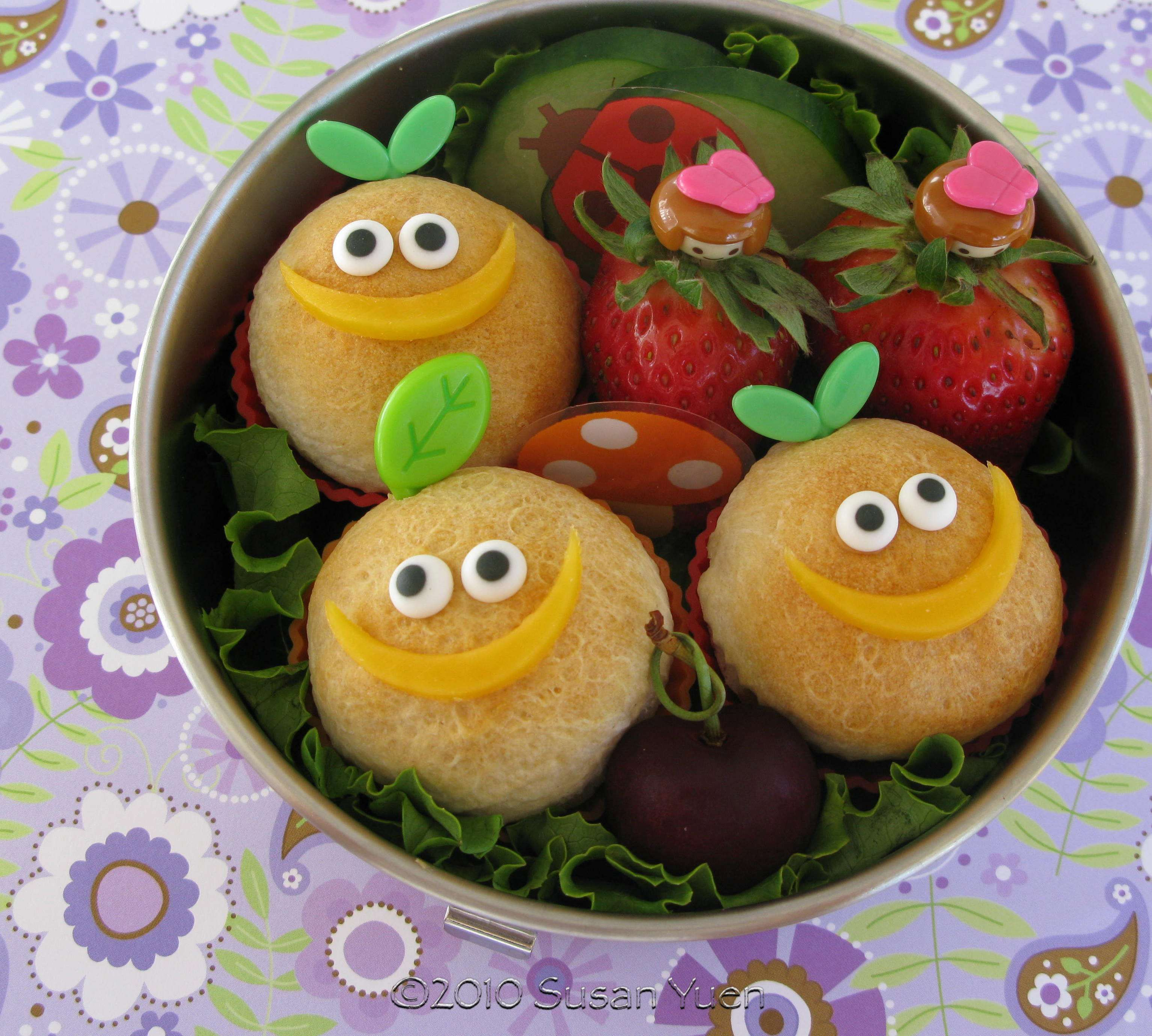 Susan has a lot of cute and cool Bento idea's on her blog: