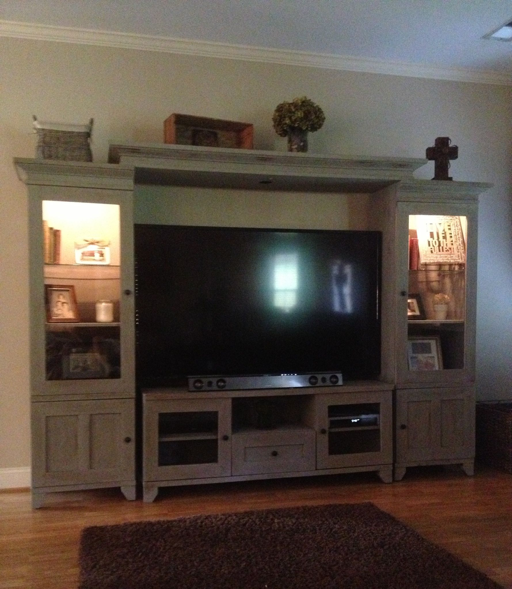 Entertainment Center Makeover Using Annie Sloan