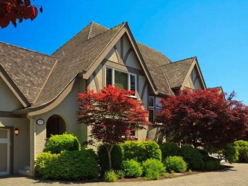 3150 Tarn Place Victoria, British Columbia, Canadau2013 Luxury Home For Sale