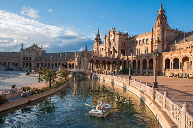 Escaping to colorful Sevilla, Spain