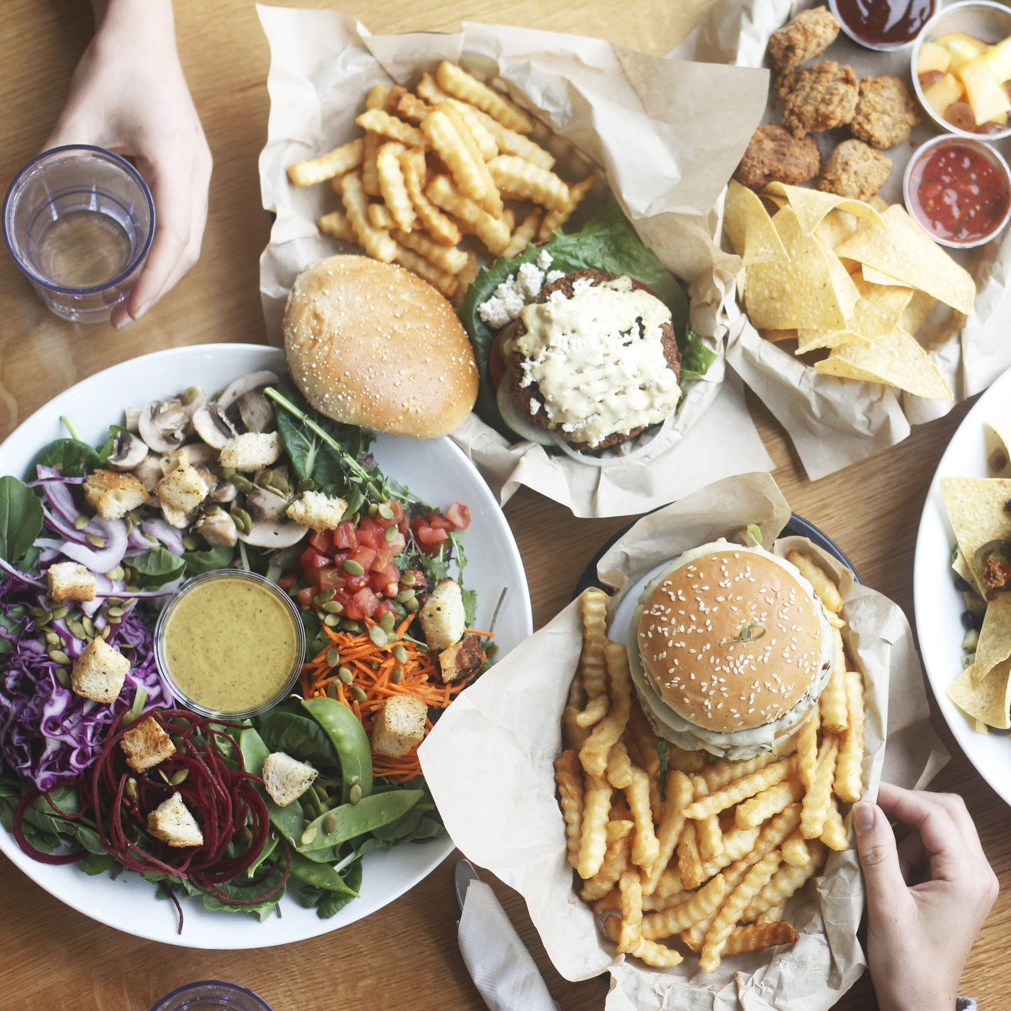 21 Best Vegetarian Restaurants Thrillist Https Www Thrillist Com Eat Nation 21 Best Vegeta Best Vegetarian Restaurants Veggie Restaurant Vegan Restaurants
