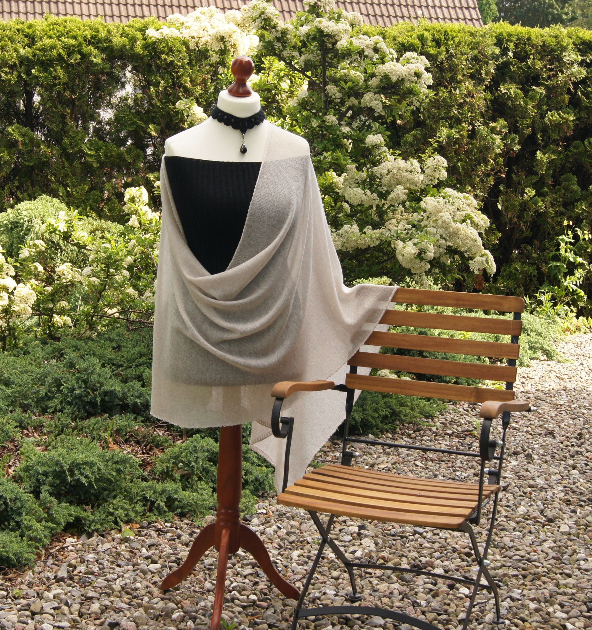 Xxl Lace Merinotuch Mum Mode Brautstola Hochzeitsmode Gestrickt Schultertuch Wolle Kratzfrei Hauchfein Oatmeal Beige In 2020 Braut Stola Mode Schultertuch