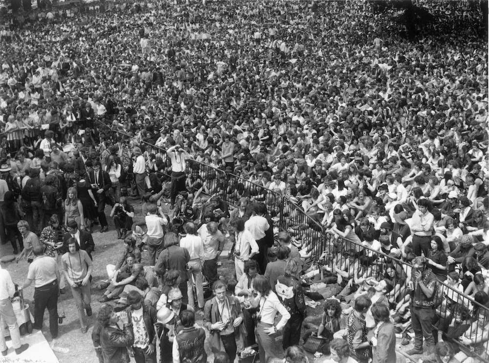 Fabulous Photos Of The Rolling Stones And The Audience At Hyde Park July 5 1969 Flashbak Elvis Elvis In Concert Elvis Presley Live