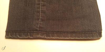 Photo of Du kan selv sy oplægning af bukser, hvor du bevarer den originale kant, fx i je…