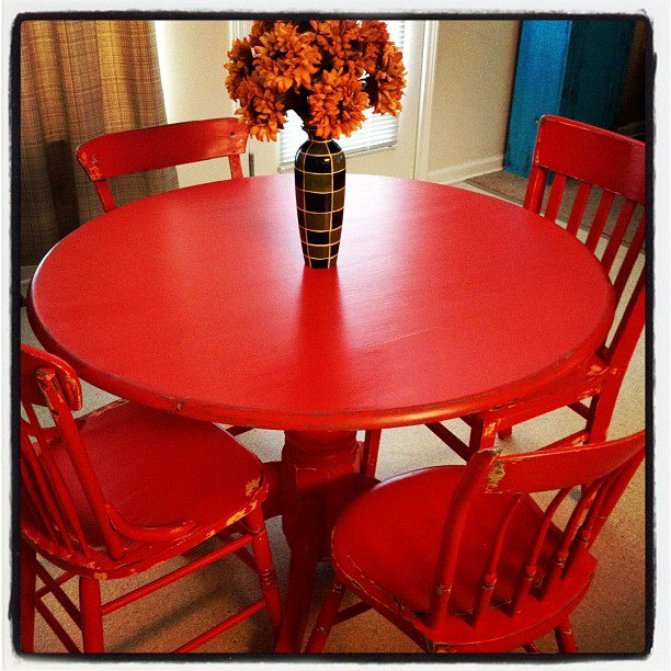 Original Pinner S Red Table Yesterday At Salvation I Purchased A Table Leaf 4 Chairs For