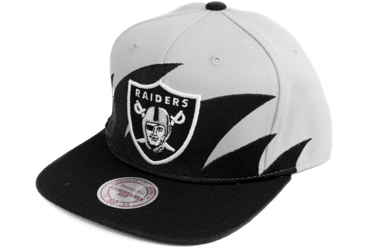 separation shoes bd9c1 825a6 MITCHELL AND NESS Oakland Raiders Shark Tooth Snapback Grey   Black   Silver