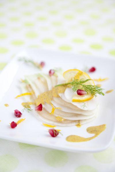 Pear & fennel salad with bergamot/curcuma dressing