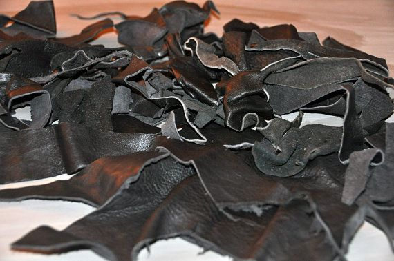 Go Upcycle ...  Leather scraps 1/2 lb. van BebesBazaar on Etsy