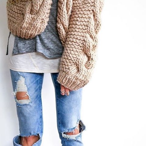 Look effortlessly chic in a chunky cardigan and distressed boyfriend ... 45e73bba8b