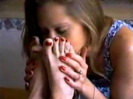 Girl Foot Smell