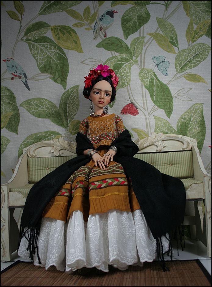 tessa as frida kahlo. Black Bedroom Furniture Sets. Home Design Ideas