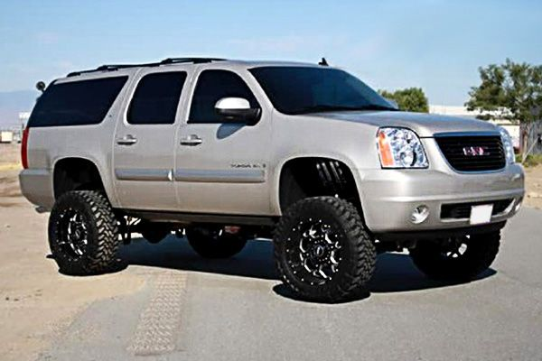 Yukon Xl With Rims Google Search Lifted Chevy Tahoe Gmc