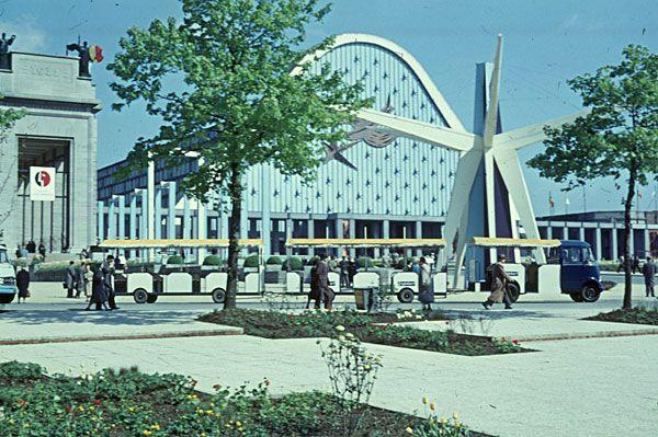 Stands Expo Universelle : Expo dupuis et bontridder écran du palais v