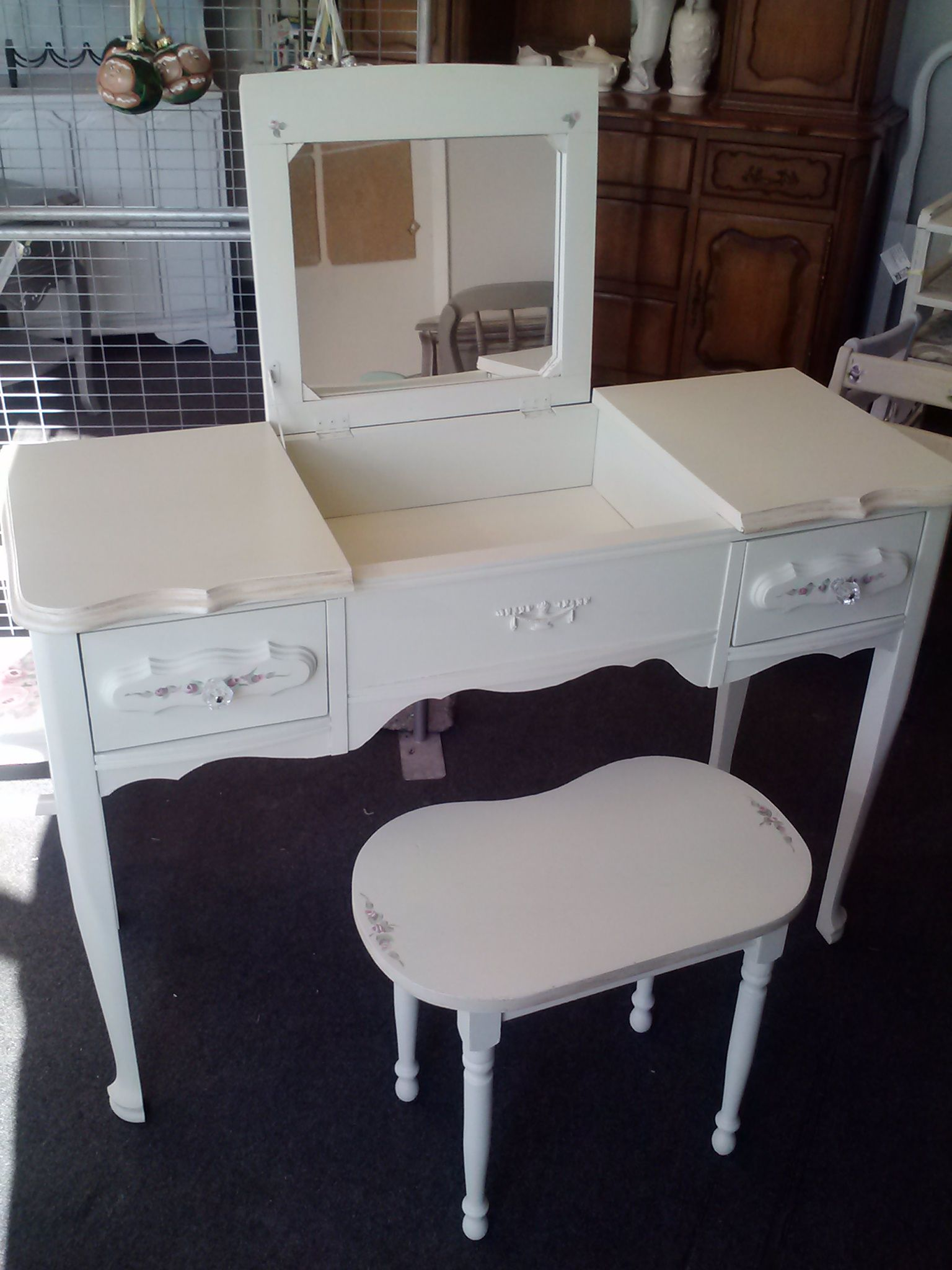 french provincial flip top vanity Please see our vintage shabby
