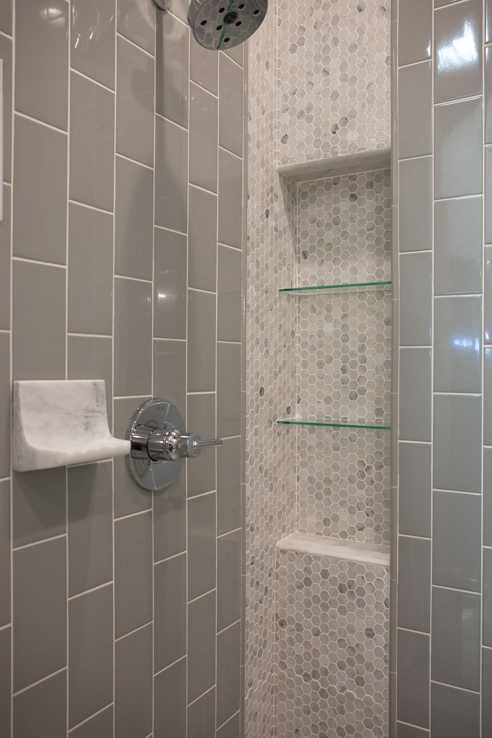 hex tile bathroom hex marble mosaic and subway tile mosaicmonday bathroom 13109 | a04f91f9512d83a0add39d634d28782e