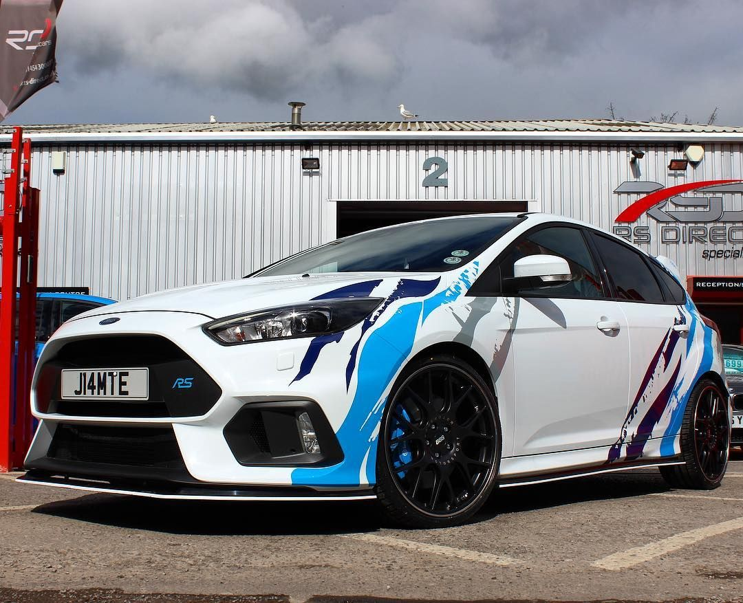 In Amongst The Madness Today We Were Humbled To Finally Meet Jamiebrothwell And Her Stunning Ford Focus Rs We Fitted Up Ford Focus Ford Focus Rs Ford Focus St