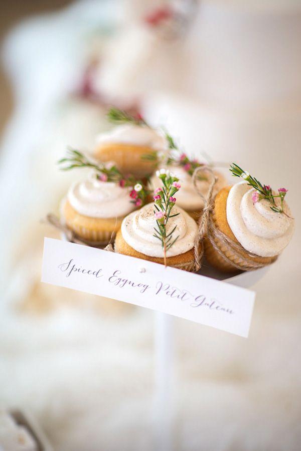 Let It Snow – Sweet Winter Wedding Shoot