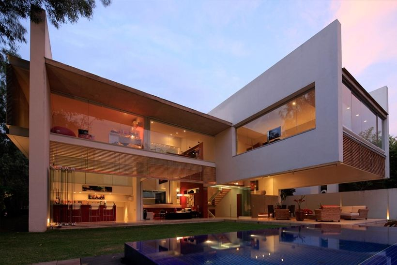 Modern Architecture House Glass luxurious modern mansion with huge cantilever in contemporary
