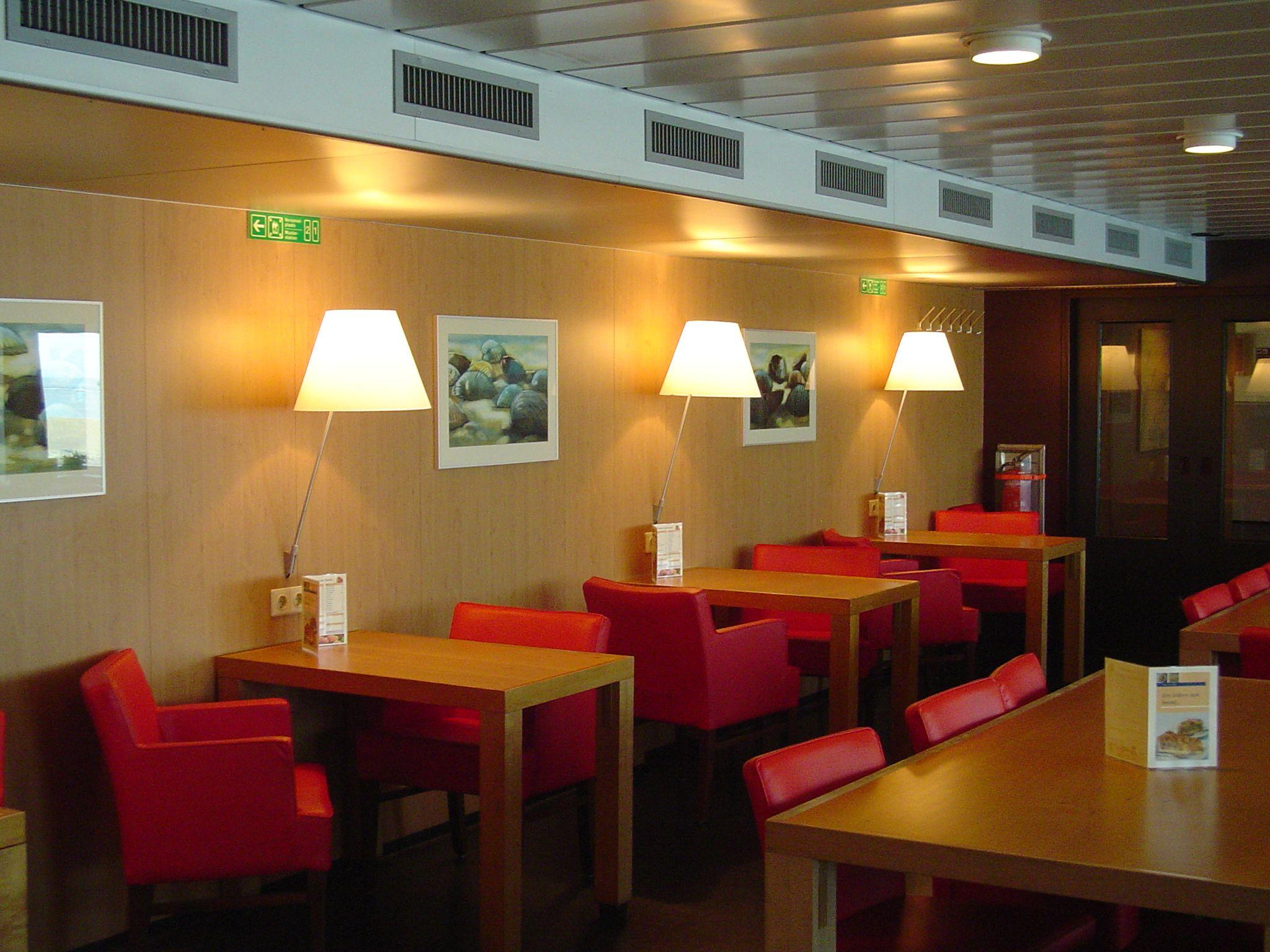 Ms Friesland: à la carte restaurant \'Douwes Eetkamer\' aan boord ...