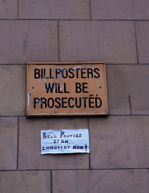 Signs Improved By Hilarious Graffiti Innocent Man Hilarious - 15 signs improved hilarious graffiti