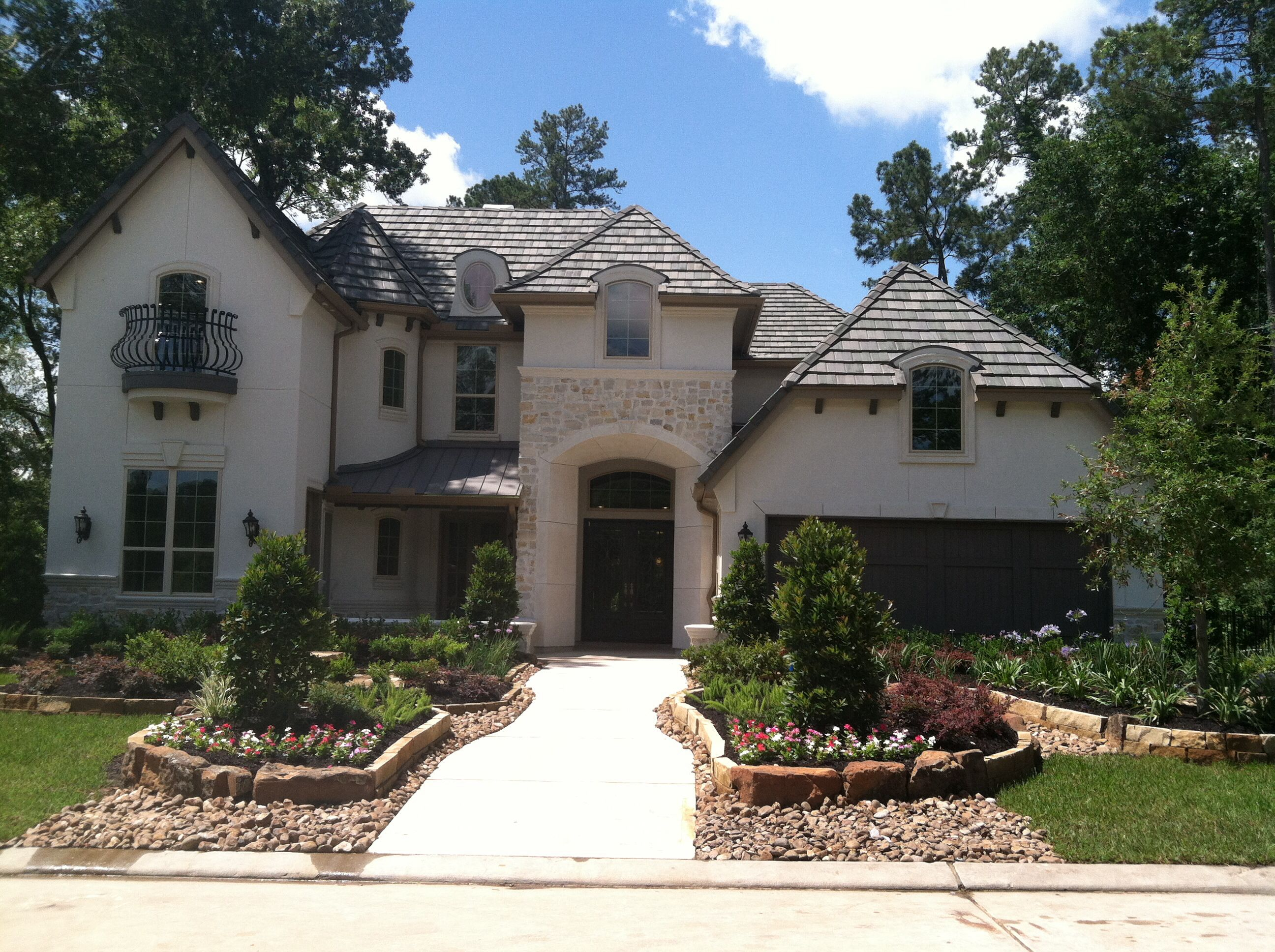 Dr Horton Opens New Emerald Homes Model In Spring, Tx