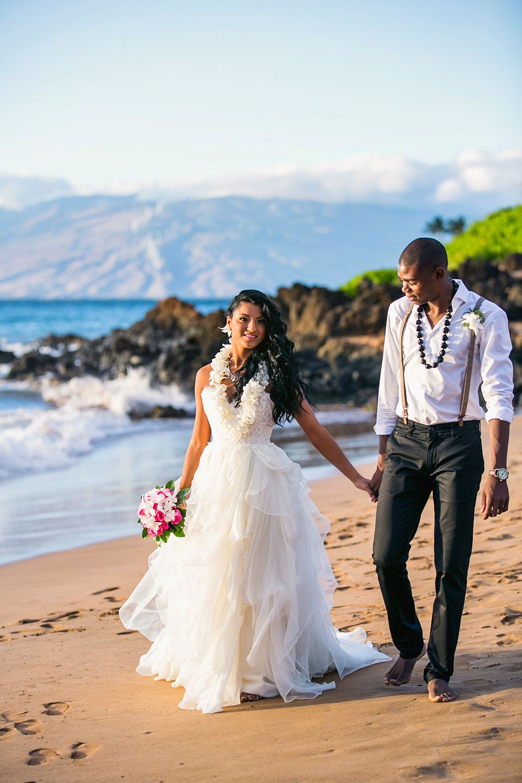 Intimate tropical wedding, Gannon's Wailea and Poolenalena
