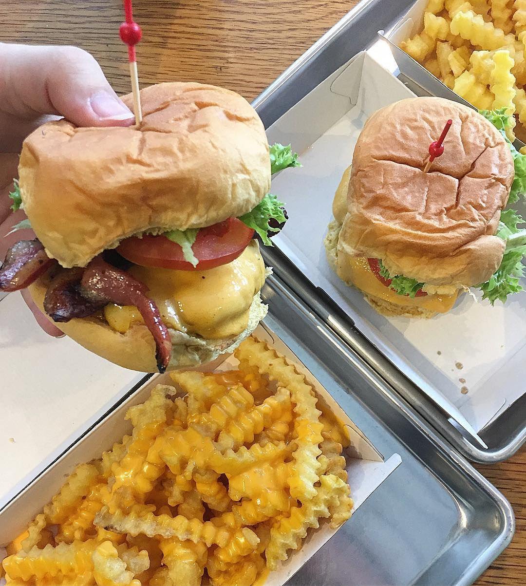 Just discovered that @jackssydney has opened up at @westfieldmiranda  Having the cheese burger and I'm a very happy girl!  Not too big or sloppy