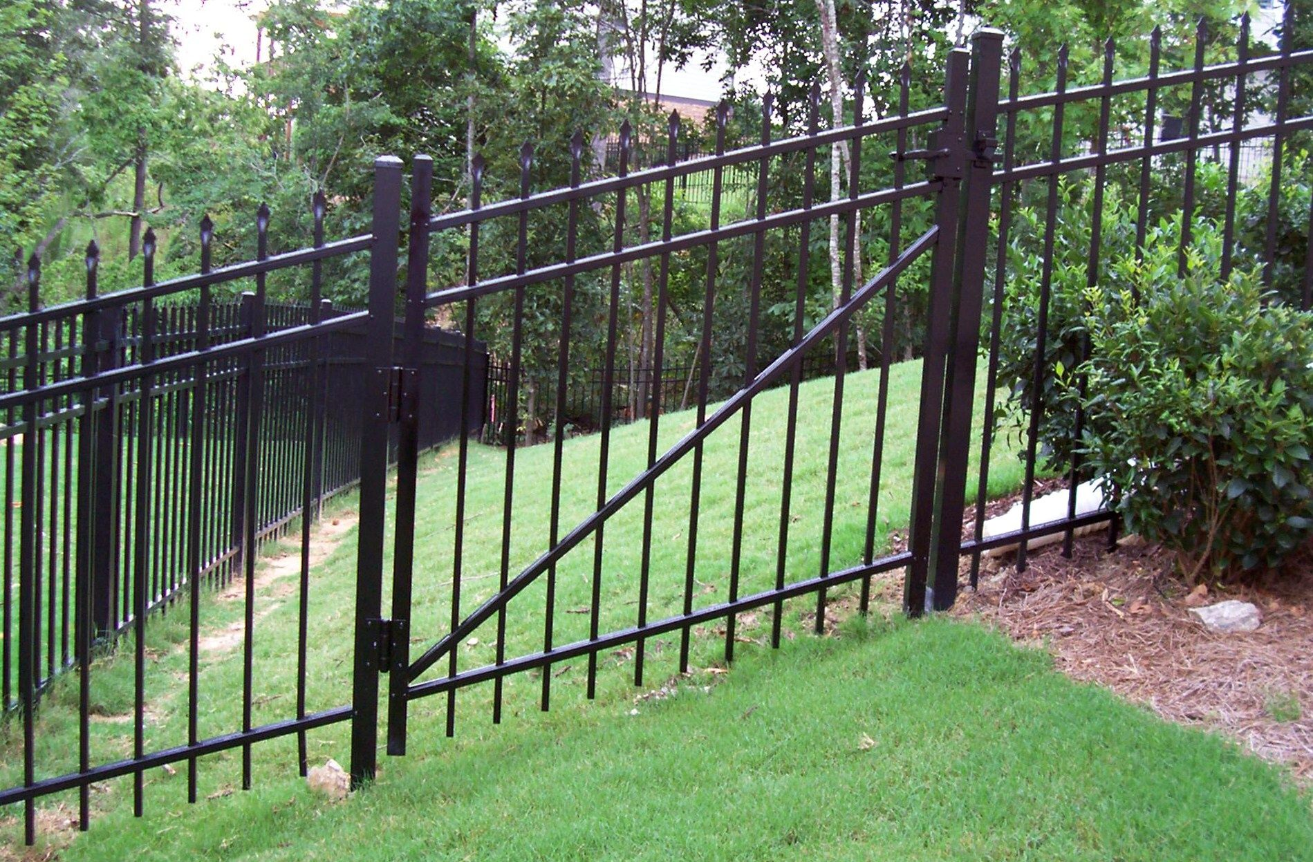Aluminum Fence Design At An Angle On A Hill Mossy Oak Fence