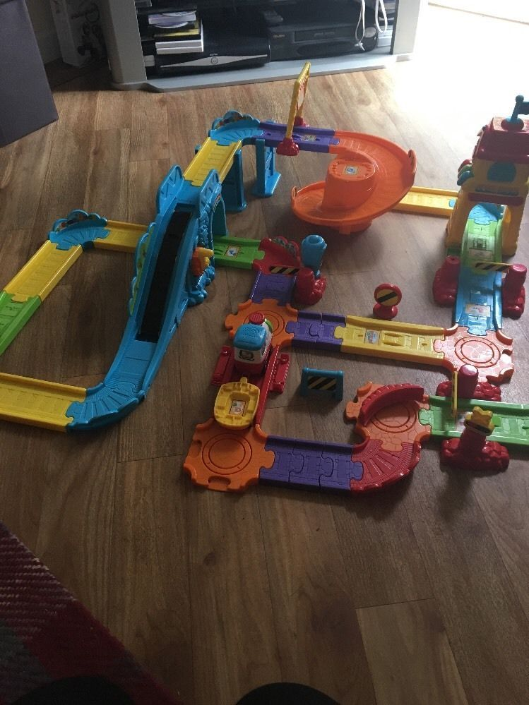 Vtech Toot Toot Drivers Massive Train Set With Sounds Joblot Station