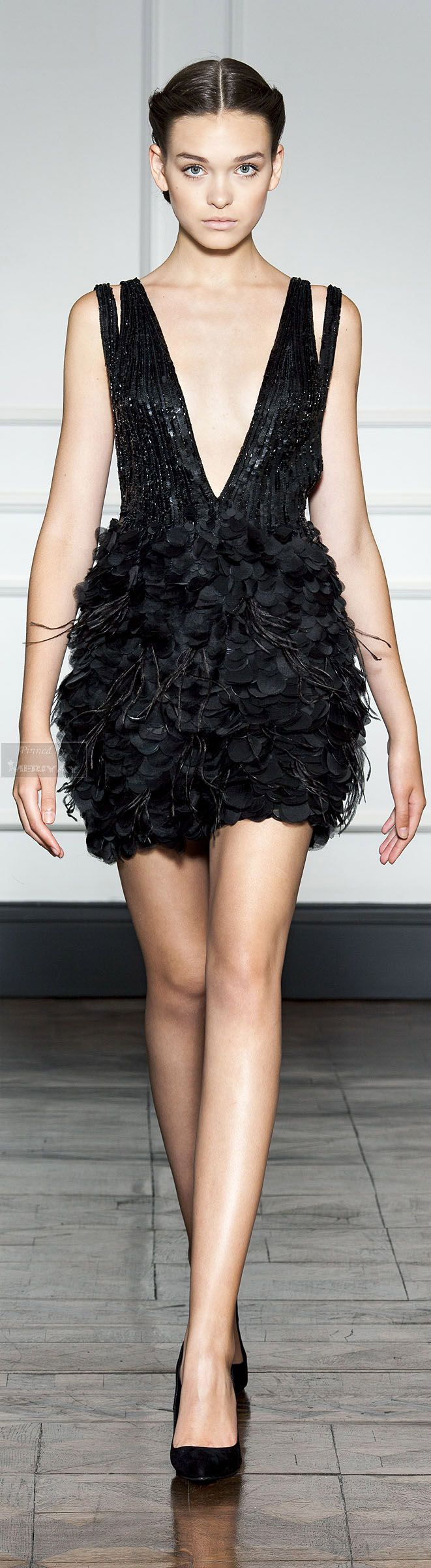 Dilek hanif black dress runway style fashion moda femenina que