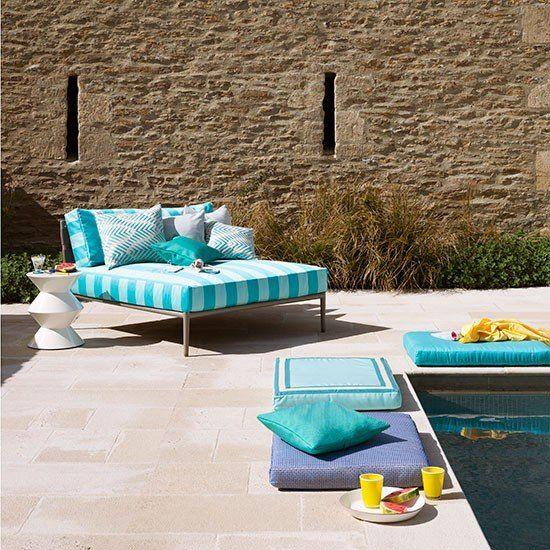 GroBartig Garten Terrasse Wohnideen Möbel Dekoration Decoration Living Idea Interiors  Home Garden   Poolside Lounge Bereich Mit Türkisfarbenen Stoffen