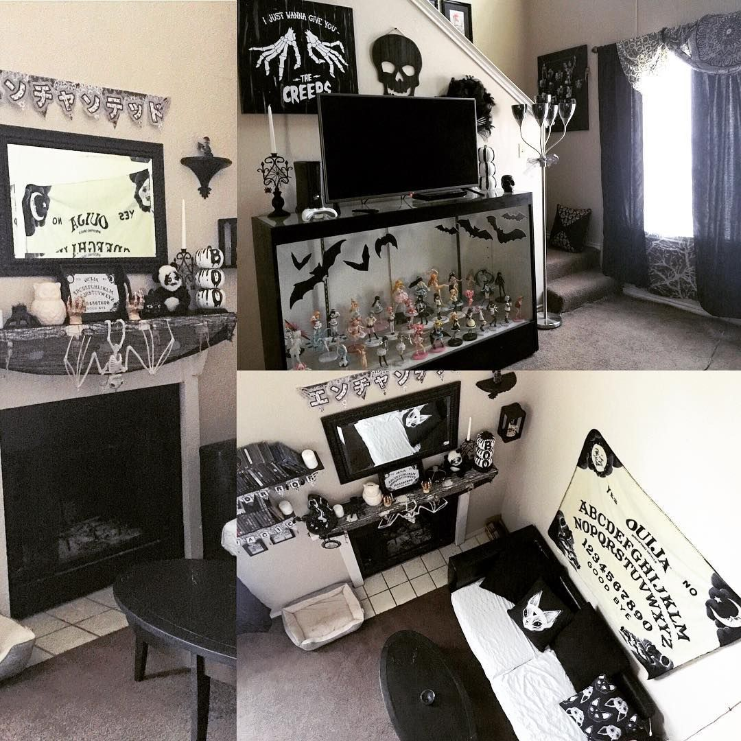 I like the couch Decor Pinterest Living rooms, Room and House - halloween house decoration ideas