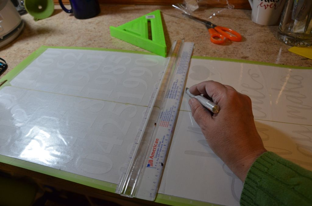 How to make a painted wood sign with your Cricut Explore