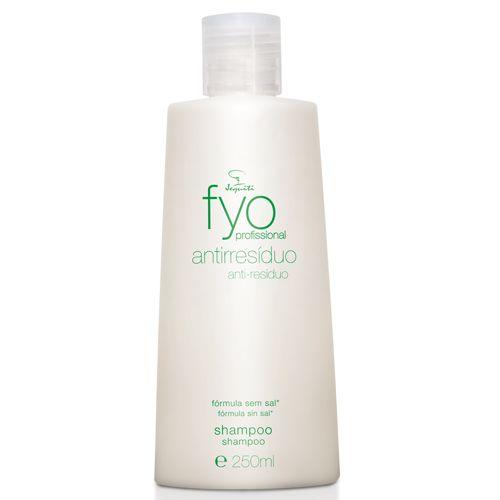 Esse antiresíduo retira todo excesso de shampoos, cremes, e prepara para receber hidratações e tratamentos.