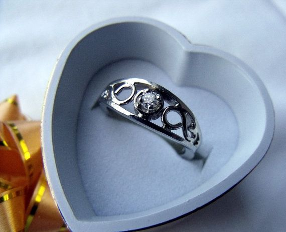 The Crow Ring 14k Gold Medium Size With 10 Point Diamond Rf180 Etsy 14k Rings 14k Gold 10 Things