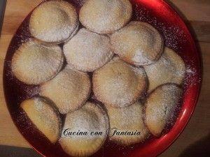 Biscotti di pasta frolla con ricotta e cioccolato