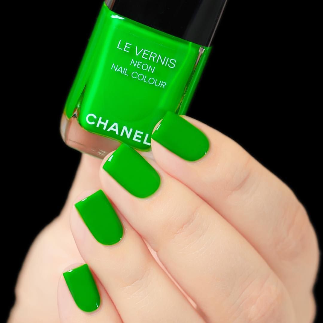 Chanel: 💚 Fantastic 💚 ... a neon green nail polish from the Neon ...