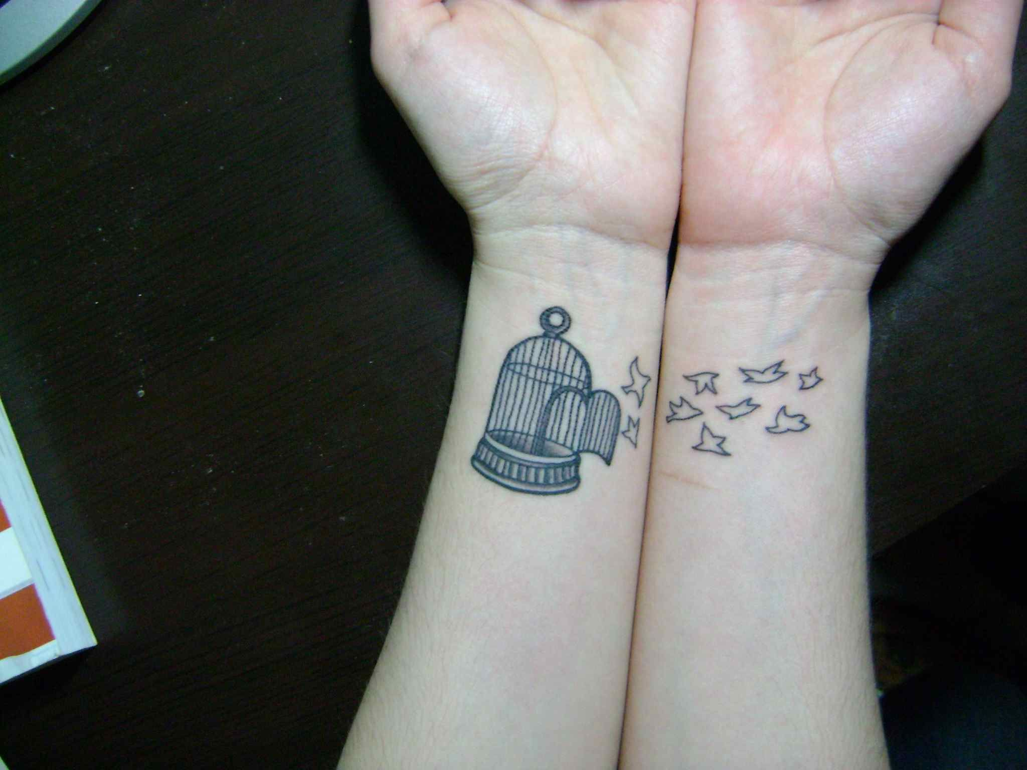 cute tattoos for your wrist cool wrist tattoos designs and ideas tattoos pinterest. Black Bedroom Furniture Sets. Home Design Ideas