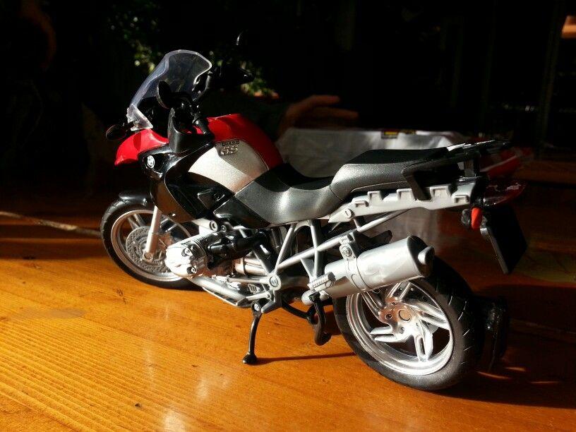 My first bike: BMW R1200 GS  1/12 Scale