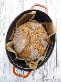 Brot: Topfbrot mit Sauerteig - einfaches Weizen-Roggen-Mischbrot - Brotwein