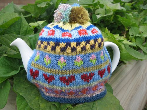 Fair Isle Tea Cosy | Knitted tea cosies, Tea cosy knitting ...