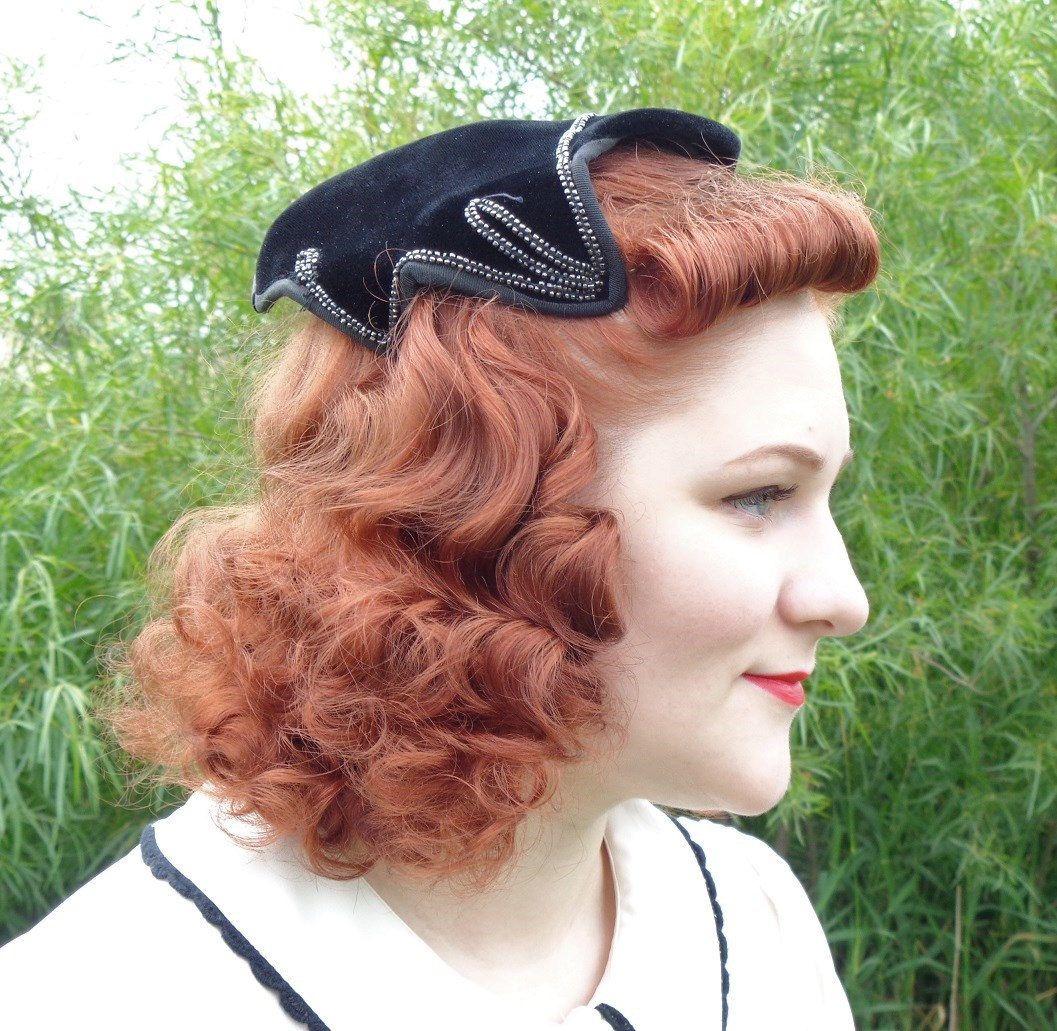 b66e74c536027 Chic Vintage 1950 s Black Velvet Fascinator Hat with Beadwork Detail by  RubyandMathilda on Etsy