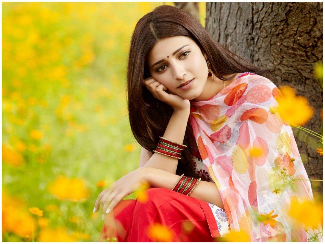 Full Hd Wallpapers Bollywood Actress Wallpaper 1092 822 Hindi Actress Wallpapers 47 Wal Beautiful Indian Actress Shruti Hassan Wallpapers Pink And Red Dress