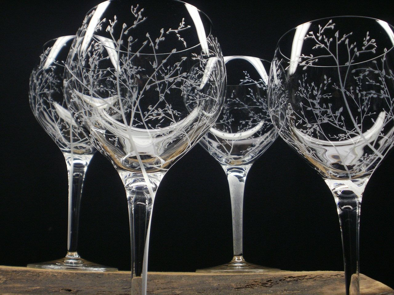 4 red wine glasses hand engraved crystal glass and leavesu0027