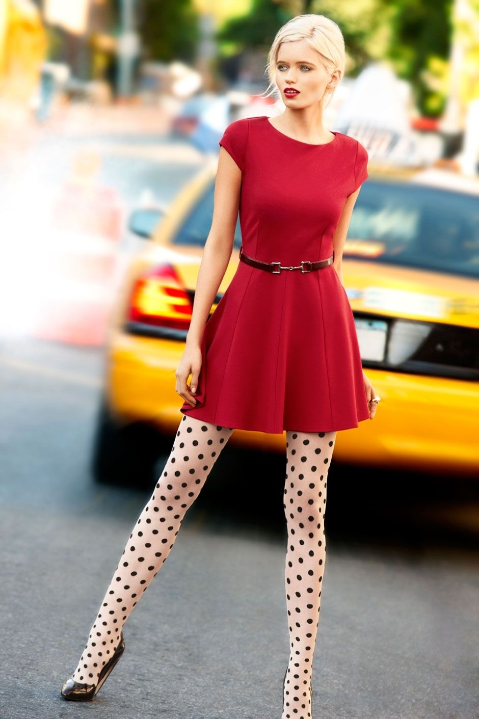 Looks - How to colored wear patterned tights video