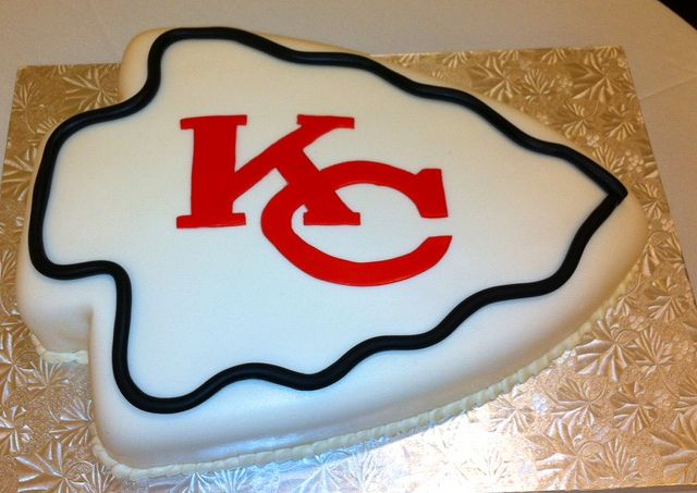 Kc Chiefs Cake With Images Super Bowl Cookies Grooms Cake