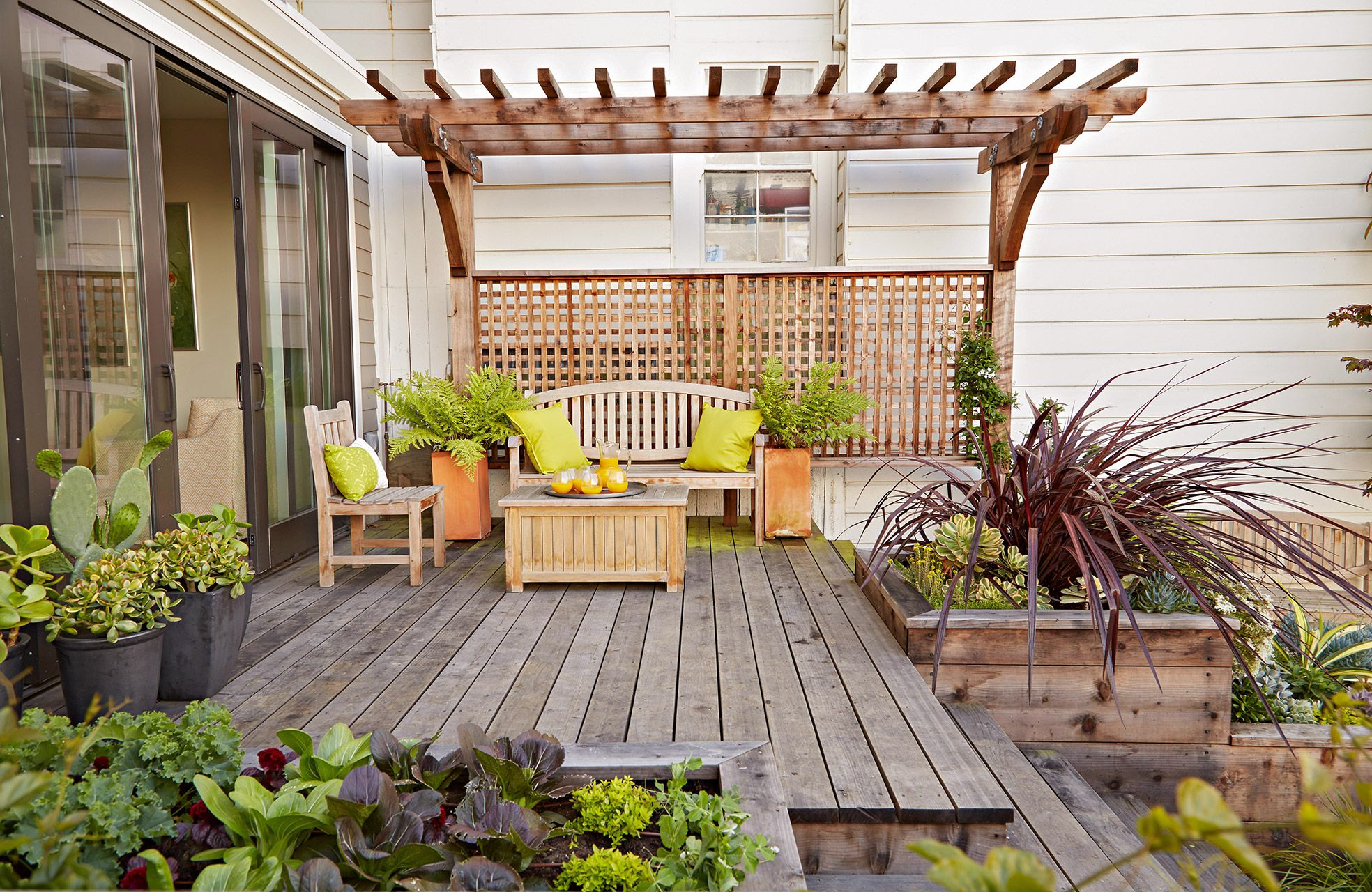 16 Simple Solutions For Small Space Landscapes Backyard Ideas