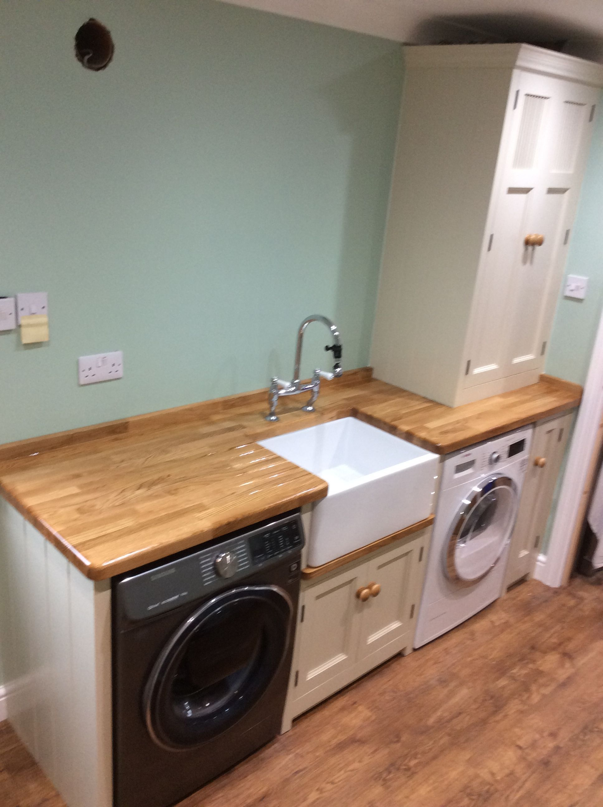 A Handmade Bespoke Utility Room We Installed In Lincolnshire The Units Are Made From Solid Wood And Are In 2020 Utility Room Designs Utility Room Sinks Utility Rooms
